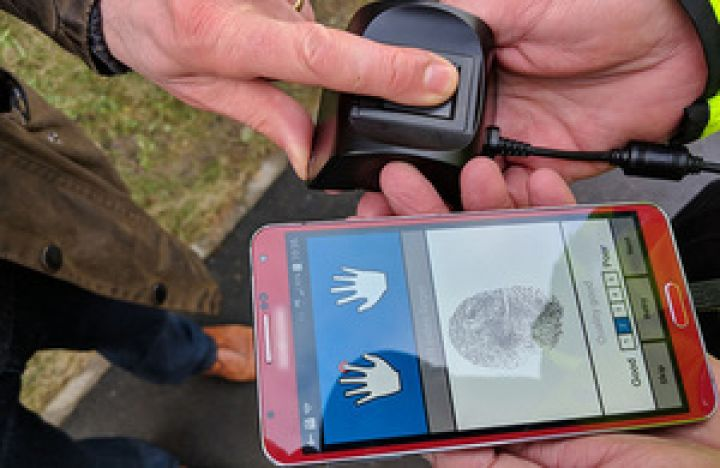 Police Roll Out Portable Identity Checking